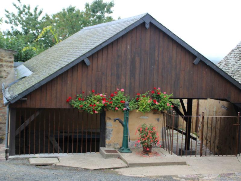 Restauration du lavoir de Saint-Denis-d'Orques
