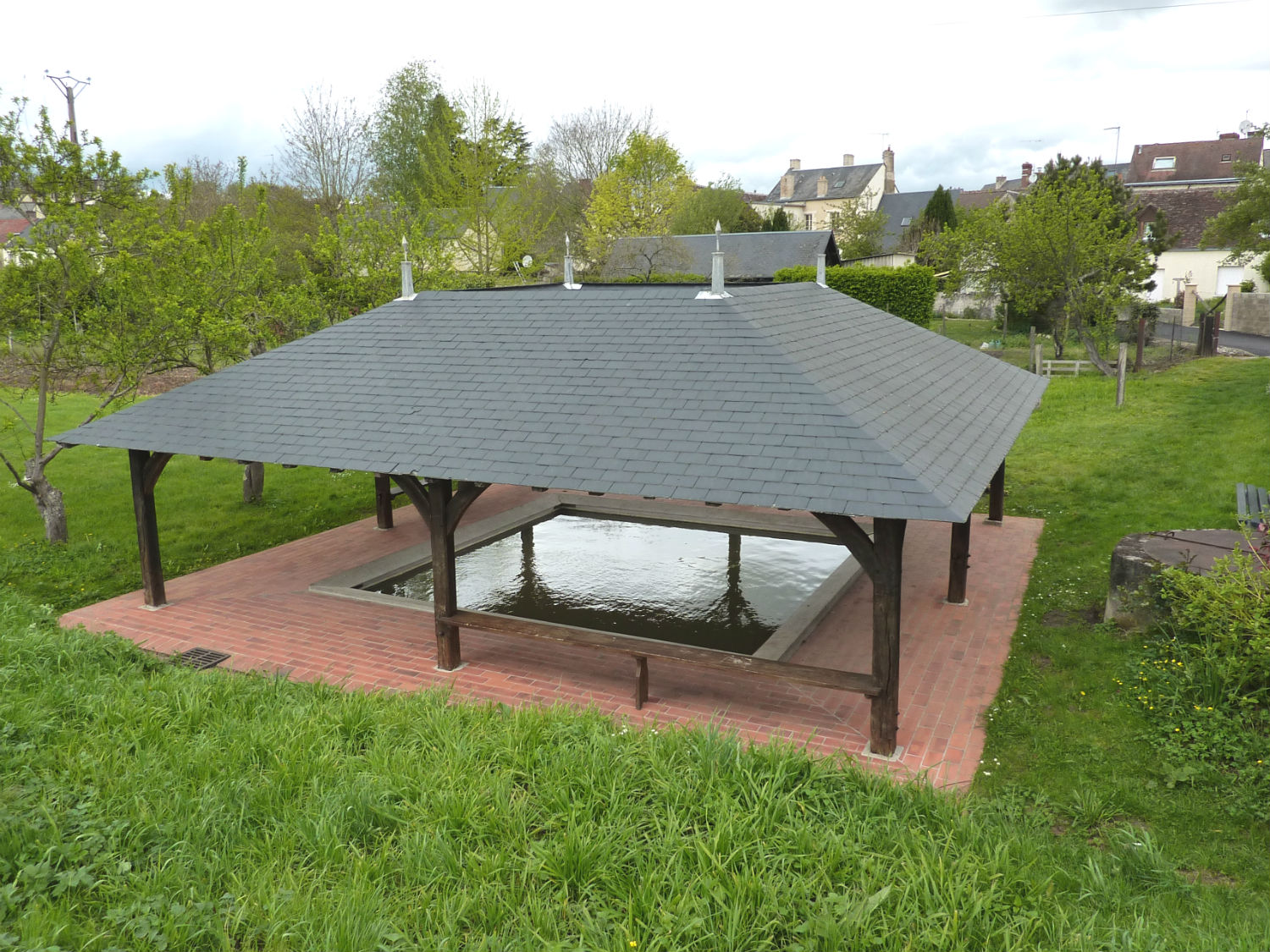 restauration du lavoir de ponc sur loir lavoirs en sarthe. Black Bedroom Furniture Sets. Home Design Ideas