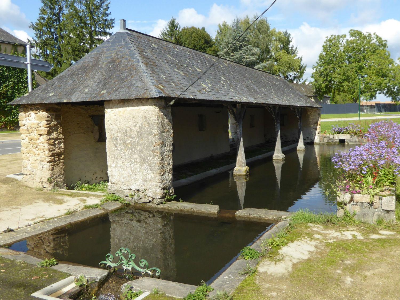 Rénovation du lavoir de La Caille à Mayet
